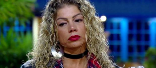 Cátia Paganote, ex-paquita da Xuxa, foi expulsa do programa A Fazenda. (reprodução/R7)