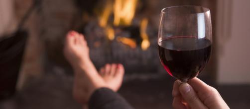 Beber uma taça de vinho tinto por dia faz bem para saúde.