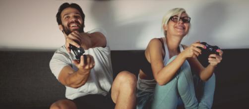 Jogar videogame pode ajudar a sair da rotina. (foto reprodução).
