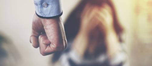 Muitas pessoas vivem diariamente sendo mandadas por seus parceiros, mesmo não percebendo teu coisa. Pensando nisso, separamos 4 sinais de tal ato