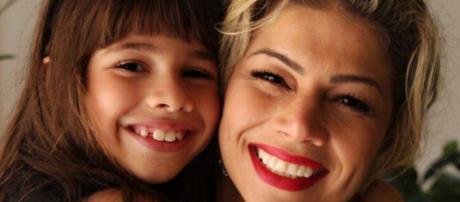 Cátia fez a revelação durante conversa com Fernanda Lacerda no reality show.