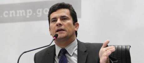 Juiz federal Sergio Moro assumirá ministério da Justiça