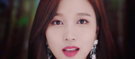 """TWICE shares teaser video 'Y' For """"YES or YES"""". image - kpopfans.net"""