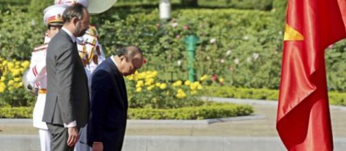 Édouard Philippe en déplacement au Viêtnam a rendu hommage au président communiste Ho Chi Minh