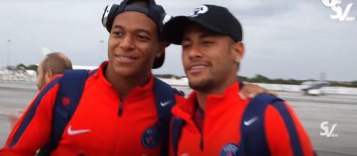 Mbappé e Neymar [Imagem via YouTube]