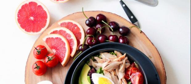 Dieta: anche le porzioni di cibo sano contano sulle quantità che tenderemo a mangiare