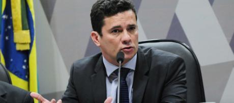 Sergio Moro assumirá superministério da Justiça