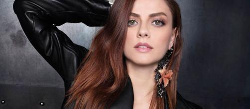 Annalisa Scarrone vince agli MTV ma pubblicano la foto della Michielin.