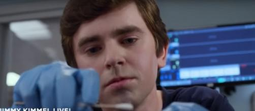 Dr. Murphy wants to do more than the standard treatment for an infected finger on The Good Doctor. [Image source: TVPromos-YouTube]