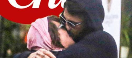 Fabrizio Corona e Asia Argento in un bacio appassionato
