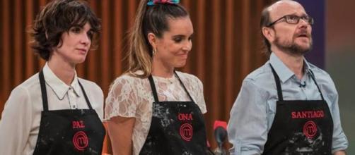 Santiago Segura el último expulsado de 'Masterchef Celebrity' hace llorar a Paz Vega