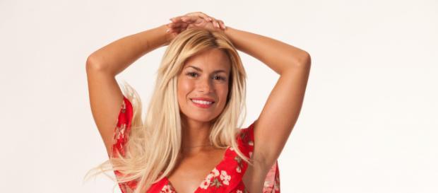 Carla Moreau critiquée pour un placement de produit: 'tu ne portes même pas les vêtements'