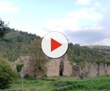 Le antiche mura dell'Abbazia di Santa Maria di Corazzo