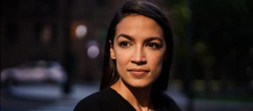 Alexandria Ocasio-Cortez, neodeputata democratica: con i suoi 29 anni è la più giovane della storia americana
