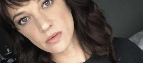 Gossip, Asia Argento chiede scusa alla madre: 'Mamma ti voglio bene'.