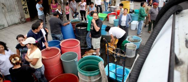 Residentes de Ciudad de México continúan sin agua.