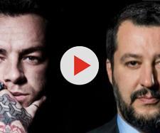 Salmo a sinistra, Matteo Salvini a destra.