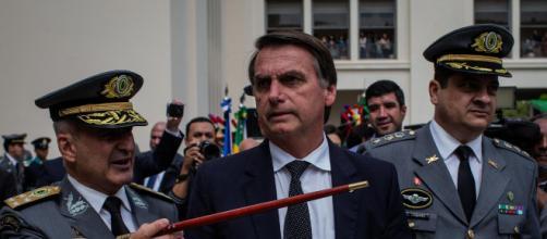 Exército evita que alguns generais se encontrem com Bolsonaro em reunião