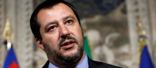 Gossip, Matteo Salvini dichiara di essere single a Pomeriggio 5.
