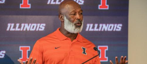 Illinois head coach Lovie Smith feels his players have what it takes to win at Nebraska. [Image via Fighting Illini Athletics/YouTube]