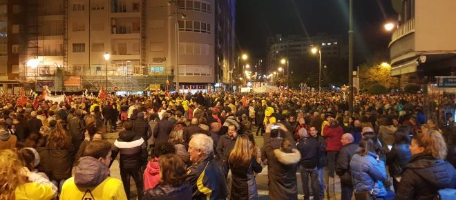 Avilés se lanza a la calle para apoyar a los trabajadores de Alcoa