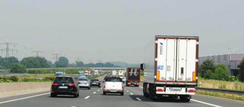 Limite a 150 km/h in autostrada, la proposta della Lega | Motor1 ... - motor1.com