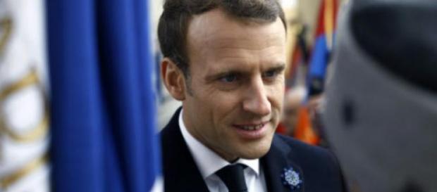 Emmanuel Macron face à un ancien combattant