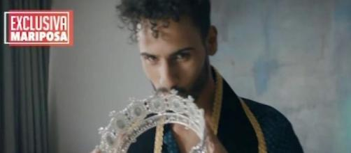 Asraf de GH VIP con La Corona de un concurso