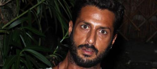 Fabrizio Corona beccato con ex corteggiatrice di Uomini e Donne.