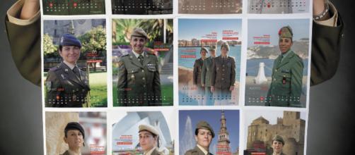 Imagen del calendario con las imagenes de las soldados y la nota de sus acciones de combate
