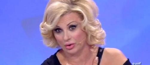 Tina Cipollari offende Giulia De Lellis