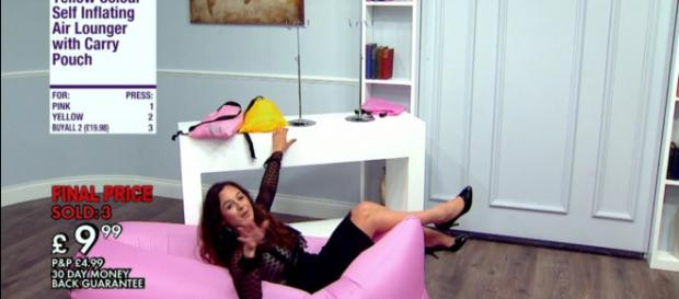 Kahija shows off her fun side in Live TV selling Task (Image credit: The Apprentice/iPlayer)
