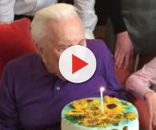 Kirk Douglas at 101st birthday. - [Inside Edition / YouTube screencap]