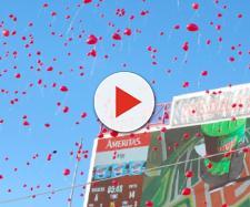 Red balloons flying. - [Kiley / Flikr]