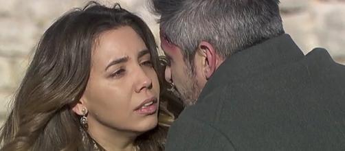 Il Segreto, anticipazioni 11 dicembre: Emilia e Alfonso pronti a fuggire da Puente Viejo