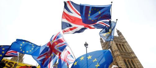 """Reino Unido puede revocar el """"Brexit"""" de manera unilateral, según sentencia el Tribunal de Justicia de la Unión Europea."""