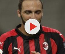 Gonzalo Higuain con la maglia del Milan.