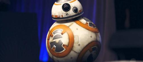 BB-8 is rumored to be getting a droid pal. [Image source: Nicvoid - YouTube]