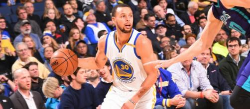 Golden State's Stephen Curry scored 38 points in a Warriors' win on Monday night. [Image via NBA/YouTube screencap]