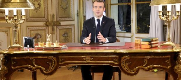 Emmanuel Macron s'est adressé à la Nation en direct de son bureau