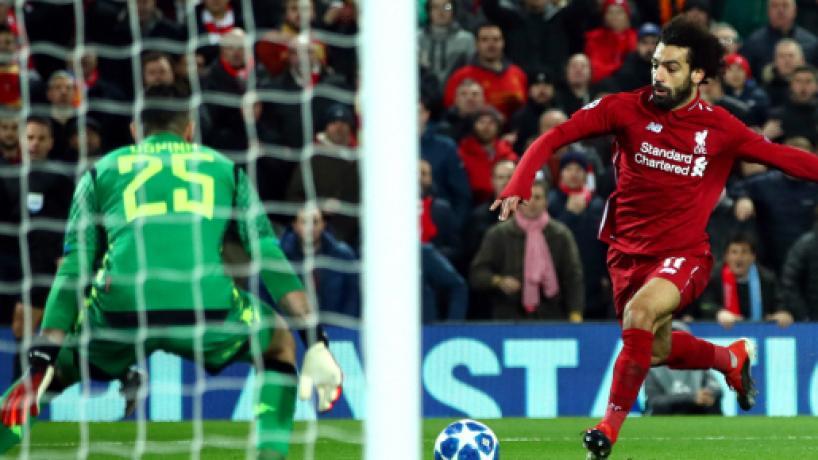 Champions: Salah y Alisson meten al Liverpool a octavos con triunfo cardíaco contra Napoli