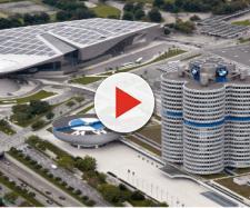 Sede da BMW em Munique, Alemanha. (Crédito arquivo corporativo BMW).