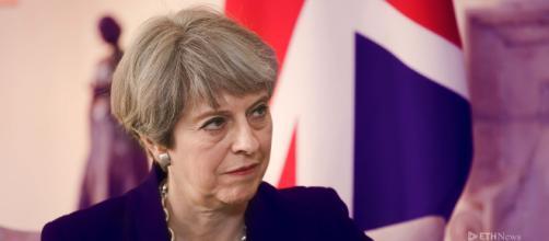 Theresa May riesce a ottenere la fiducia del suo partito