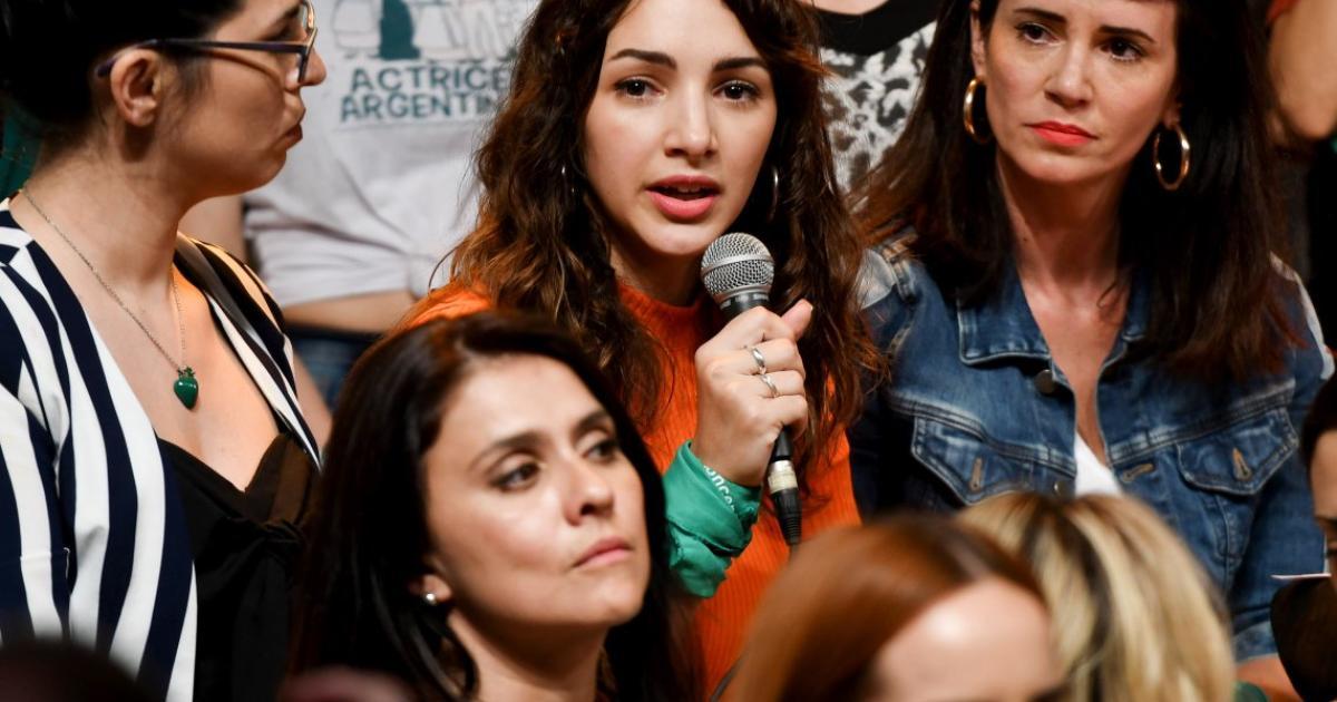 Argentina: Thelma Fardin accusa Juan Darthes di molestie durante ...