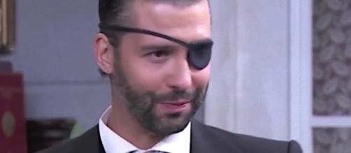 Una Vita: Felipe Alvares Hermoso ritorna ad Acacias 38 con un occhio bendato