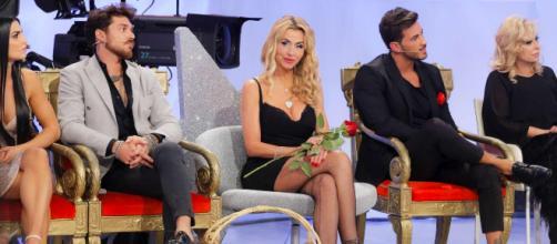 Andrea ha deciso di eliminare Federica, Lorenzo ha baciato Giulia.