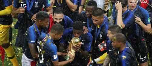 France celebrates their 2018 World Cup win in Russia. [Image via Football Daily/YouTube screencap]