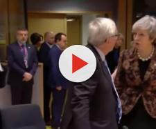 Il confronto ravvicinato tra Juncker e Theresa May