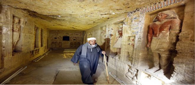 Autoridades do Egito revelam ao mundo a descoberta de tumba de 4.400 anos