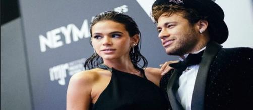 Bruna Marquezine e outros famosos que se separaram em 2018. (Foto/Reprodução via varelanoticias.com.br